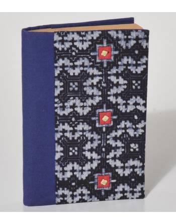 Cuaderno índigo bordado, Vietnam